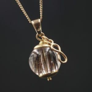 Galaxy Venus – Anhänger mit Infinity-Charm – Sterlingsilber vergoldet